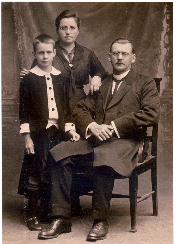 Max, and parents, Martha and Johannes Zwar